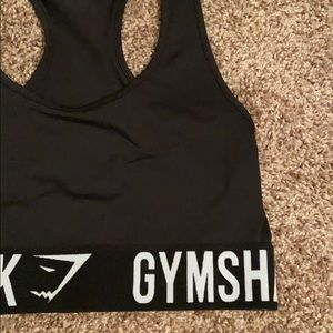 medium gym shark sports bra black